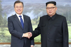 South Korean President Moon Jae-in met with North Korean leader Kim Jong Un on Saturday for an unannounced discussion about their hopes for a U.S.-Korea summit. (South Korea Presidential Blue House)